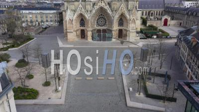 Empty City Of Reims During Lockdown Due To Covid-19 - Notre Dame De Reims Cathedrale - Video Drone Footage