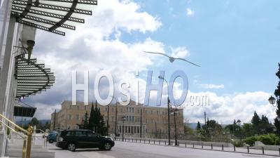 Parlement Hellénique, En Face De L'hôtel Grande Bretagne, Place Syndagma, Confinement Dans Le Centre-Ville D'athènes, Grèce
