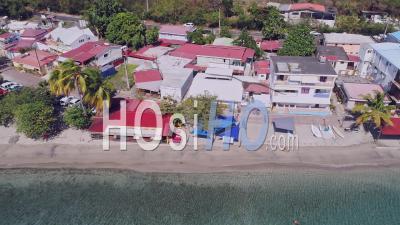 Confinement Pour Covid-19 à Anses D Arlet, Martinique, Par Drone