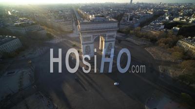 Place De L'etoile Et Arc De Triomphe à Paris Pendant Le Confinement Vidéo Covid-19