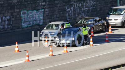 Covid19 - La Police Bloque L'entrée A6