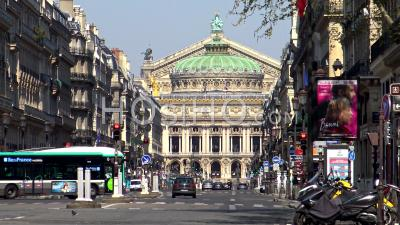 Paris Under Coronavirus Lockdown, Avenue De L'opera