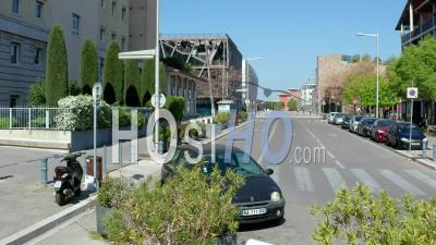 Aix-En-Provence Mozart Avenue Pendant L'épidémie De Covid-19, France - Vidéo Par Drone