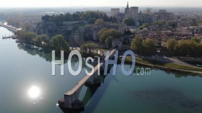 Avignon City In Confinement - Vidéo Par Drone
