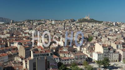 Place Jean-Jaurès En été Et Sur Les Toits De La Ville De Marseille, France -  Vidéo Par Drone