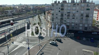 Boulevard Saint-Assiscle à La Gare De Perpignan Pendant Covid-19 -  Vidéo Par Drone