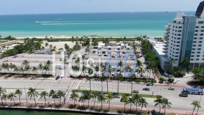 Centre De Test Covid-19 Au 46th St à Miami Beach - Vidéo Drone