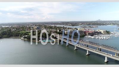 Vue Aérienne Du Pont D'iron Cove - Vidéo Drone