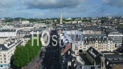 Rue Saint Jean à Caen, Et Rue Du Désert Pendant Le Confinement En Raison De Covid-19 - Vidéo Drone