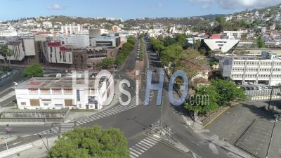 Fort-De-France, 1er Mai, Martinique, Pendant Le Confinement Due Au Covid-19 - Vidéo Par Drone