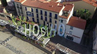 Restaurants Vides Pendant Covid-19 à Collioure, Vidéo Par Drone