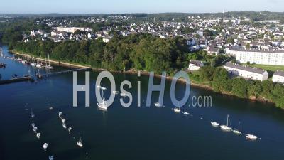 Vue Globale Du Port De Port Rhu à Douarnenez, Finistère, Bretagne, France - Vidéo Par Drone