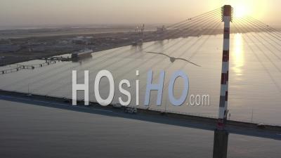 Pont De Saint-Nazaire Dans La Zone Industrielle En France - Vidéos De Drone Vidéo En Loire-Atlanique