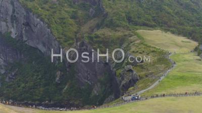 Seongsan Ilchulbong Sur L'île De Jeju, Corée Du Sud - Vidéo Aérienne Par Drone