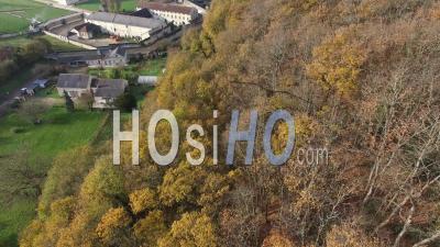 Fontevraud L'abbaye Et Son Abbaye Royale - Vidéo Drone
