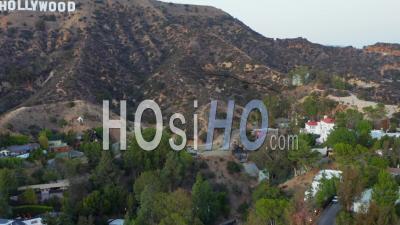 À La Recherche De Signe D'hollywood, Lettres Dans Les Collines D'hollywood Au Coucher Du Soleil, Los Angeles, Californie 4k - Vidéo Par Drone