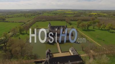 Château Du Plessis-Bourré - Video Drone Footage In Spring