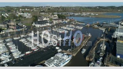Port De Paimpol, Bretagne, France - Vidéo Par Drone