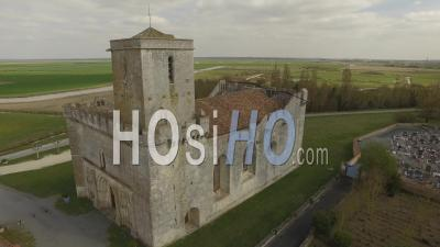 L'église Fortifiée D'esnandes, Vidéo Drone