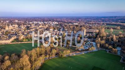 Magdalen College Et Oxford Botanic Garden, Oxford- Vidéo Drone