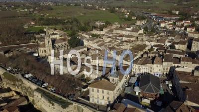 Vue Aérienne, Bourg Sur Gironde, Site En Gironde, Aquitaine - Vidéo Drone